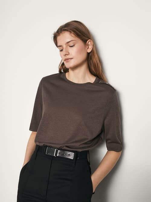 T-shirt com botões cinza escuro da Massimo dutti